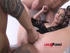Porno delicioso com a novinha gostosa mamadora profissional