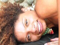 X videos porno com a linda mulata do Brasil que se chama Juliana Bombom metendo com um branquelo