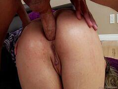 Xvideoa com a loira safada que adora um sexo anal