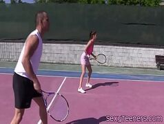 Partida de tênis acaba em foda fantástica