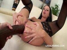 Xporno interracial com chupada e penetração anal na bunduda branquela