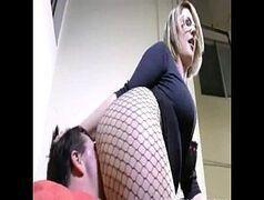 Gorda sentando na cara do marido e sufocando ele