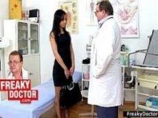 Porno anal com a paciente safada gostosa.