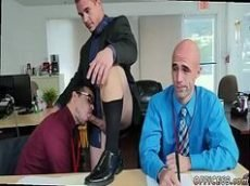 Porno gay dotados fodendo no trabalho