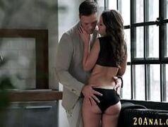 Pornor foda com uma morena rabuda e de origem latina