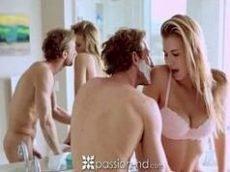 Sexo erotico comendo a prima gostosa da porra com tudo