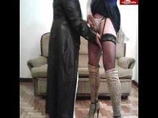 Travesti com mulher gordinha que adora pica
