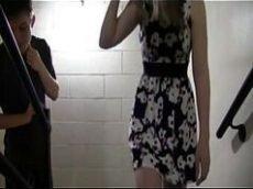 Bucetas amadoras da novinha fodendo na escada