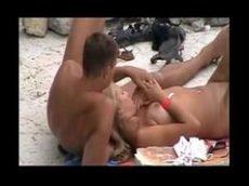 Contos porno da loirinha safada que fez sexo na praia
