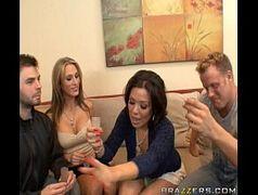 Filme.porno colocando a secretaria linda para chupar minha pica