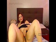 Gorda pelada na webcam masturbando sua buceta gostosa