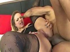 Loira dando o cu em varios videos porno