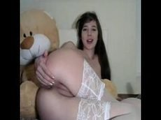 Polar porn com novinha batendo siririca em frente a webcam