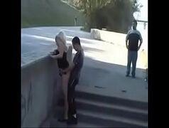 Sexo na rua com essa loirinha safada e com tesão
