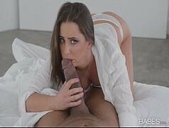 Xxx vídeos com uma novinha chupando o pinto grande