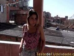Esposa favelada caiu na net traindo o marido corno com o amigo do baile funk