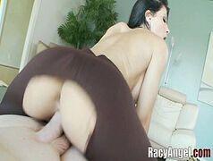 Mulheres bonitas nuas chupando pica grossa e cavalgando gostoso