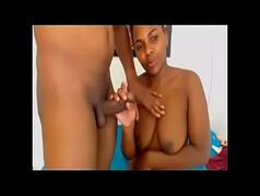 Mulheres transando com seu marido na webcam e gozando muito