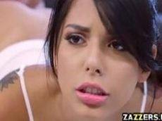 Novinha de origem italiana muito linda tomando uma boa surra de piroca
