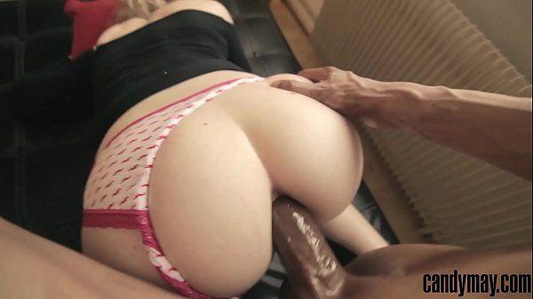 Cuzinhos adolescente gostosa fazendo anal com o namorado
