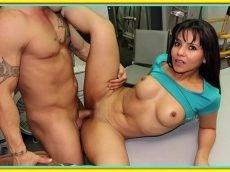 Porno brasileiro morena cavala galopando na rola dentro do escritório