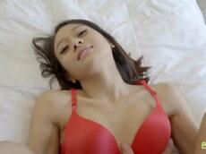 Gostosa linda sexo bom namorado da mãe