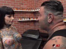 Xvideos tatuada gostosa tomando pirocada na bucetona
