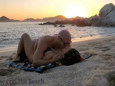 Praia do sexo casal fodendo muito gostoso